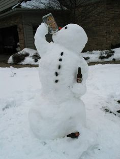 35 Creative, Funny Snowman Pictures for Winter Fun - Snappy Pixels Funny Snowman, Diy Snowman, Build A Snowman, Christmas Time, Christmas Crafts, Christmas Decorations, Winter Fun, Winter Time, Winter Snow