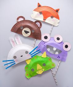 Are you looking for interesting preschool activities? On our site you will find several easy and fun tutorials and DIY ideas. Creative Activities, Preschool Activities, Creative Crafts, Easy Paper Flowers, Plate Crafts, Dramatic Play, Imaginative Play, Colored Paper, Summer Kids