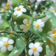 'Springtime' Ditsybeads CiM Meadow encased with CiM Limelight, with flowers in Effetre White 204 and CiM Hollandaise.
