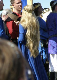 Isn't this nice?  I've finally realized that Medieval hair doesn't work in modern times.  :(