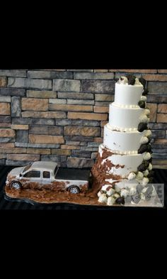 Muddy truck wedding cake!