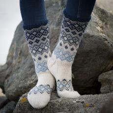 Sokker - Viking of Norway Loom Knitting, Knitting Socks, Crochet Socks, Knit Crochet, Knitting Designs, Knitting Patterns, Fluffy Socks, Argyle Socks, Sock Toys