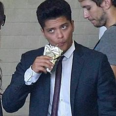 Every girl is jealous of this Capri sun pouch bruno
