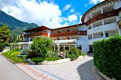 Hotel Paradies Tirolo Located in Tirolo, 1.9 km from Gunpowder Tower - Polveriera, Hotel Paradies features a seasonal outdoor pool and sun terrace. Guests can enjoy the on-site bar. Free WiFi is provided and free private parking is available on site.