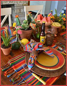 Corner of Plaid and Paisley: Celebrating Cinco de Mayo! Corner of Plaid and Paisley: Celebrating Cinco de Mayo! Mexican Dinner Party, Mexican Birthday Parties, Mexican Fiesta Party, Fiesta Theme Party, Taco Party, Mexico Party, Fiesta Party Decorations, Table Decorations, Party Entertainment