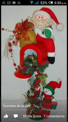 Santa y niev e Felt Christmas Decorations, Christmas Stockings, Christmas Wreaths, Christmas Ornaments, Holiday Decor, Homemade Crafts, Crafts To Make, Christmas Projects, Xmas Gifts