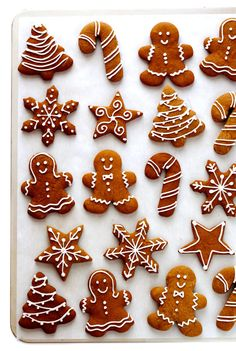 Gingerbread Cookies -- my all-time favorite recipe for these classic Christmas c. - Gingerbread Cookies — my all-time favorite recipe for these classic Christmas cookies! Christmas Sweets, Christmas Gingerbread, Christmas Cooking, Noel Christmas, Christmas Goodies, Gingerbread Recipes, Cheap Christmas, Christmas Gifts, Christmas Cupcakes