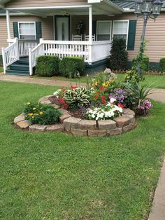 Cheap Landscaping Ideas For Your Backyard Small Backyard Landscaping, Landscaping With Rocks, Landscaping Tips, Cheap Landscaping Ideas For Front Yard, Landscaping Borders, Nice Backyard, Acreage Landscaping, Landscaping Equipment, Landscaping Contractors