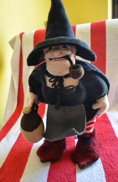Crochet: Kim Lapsley Crochets: Nanny Ogg from Terry Pratchett's Discworld series