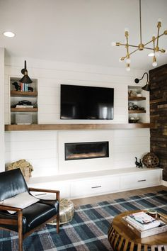 Wunderbar Shiplap And Modern Fireplace With Floating Wood Mantel, Concrete Surround  And Hearth Holz Kaminsimse,