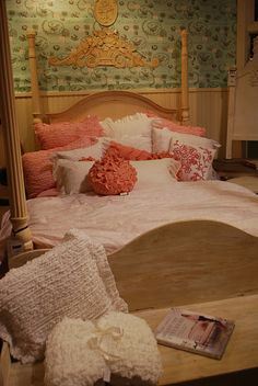 pink chic - vintage bedroom