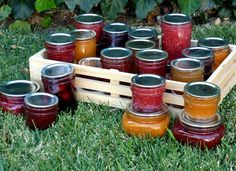 Food In Jars - a fantastic blog about everything imaginable to do with home canning including techniques, classes & recipes.