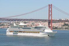Explorer of the Seas em Lisboa. Pelas 10h30 entrava no estuário do Tejo o gigante Explorer of the Seas da companhia Royal Caribbean Cruise Line.