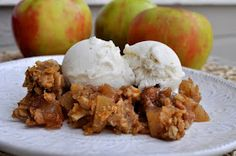 Wifessionals: Easy Crockpot Apple Crisp - It really is easy! The hardest part is cutting the apples! And it's REALLY good!