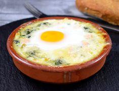 Huevos a la Florentina eggs Egg Recipes, Low Carb Recipes, Vegetarian Recipes, Banana Oatmeal Smoothie, Florentines Recipe, Spinach Egg, Latin Food, Vegan Foods, Food Videos