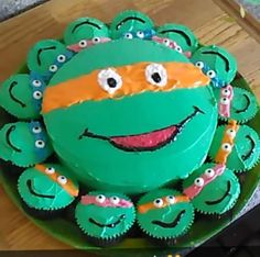 My sister asked me to make a cake for her . Ninja turtle cake