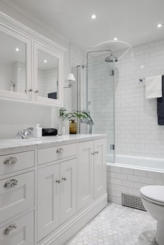 I like the subway tile and how they lined the skirt of the tub with them as well