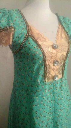 Chudi Neck Designs, Neckline Designs, Dress Neck Designs, Blouse Designs, Salwar Designs, Kurti Neck Designs, Kurta Patterns, Dress Sewing Patterns, Traditional Fashion