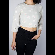 Zara Gray Print Crop Top This Zara top has a full zipper on the back. Never worn! Zara Tops Crop Tops