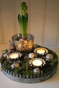 Just The Most Lovely: Christmas Arrangement # Christmas Decoration .- Bara Det Ljuvligaste: Jul Arrangemang Bara Det Ljuvliga… Just The Most Lovely: Christmas Arrangement # Just The Most Lovely: Christmas Arrangement - Christmas Love, Beautiful Christmas, Christmas 2019, Christmas Wreaths, Christmas Crafts, Xmas, Advent Candles, Country Christmas Decorations, Deco Boheme