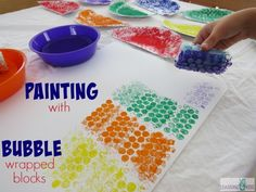Bubble Wrapped Blocks Painting Activity is a great painting activity that is suitable for differing ages. All children can create and play with the paint and bubble wrap as their own pace and ability using the blocks wrapped in bubble wrap. Bubble Activities, Painting Activities, Toddler Learning Activities, Fun Activities For Kids, Bubble Painting, Block Painting, Painting For Kids, 4 Kids, Art For Kids