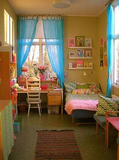 Girls Bedroom Decorating Ideas- like the curtains and the color