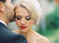 Stunning-bridal-beauty-inspiration-wedding-makeup-ideas-retro-red-lips..j