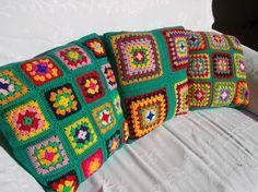 coussin multicolore 9  granny fonds vert