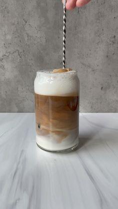 Sweet Coffee, Iced Coffee, Iced Latte, Coffee Latte, Aesthetic Coffee, Aesthetic Food, Coffee Drink Recipes, Coffee Drinks, Yummy Drinks