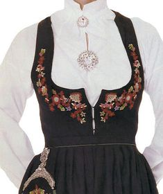 FolkCostume&Embroidery: Overview of Norwegian Costumes, part 2. The eastern heartland. Valdres