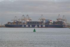 De 'CMA CGM Marco Polo' kan 16.020 teu vervoeren. Kijk ook op onze website  http://www.transport-overzee.nl