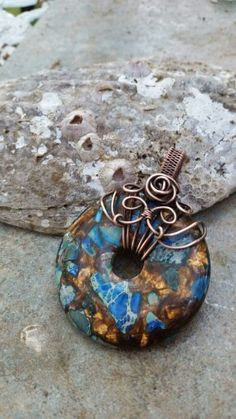 Best Collection of Rings - Jewelry Daze Wire Jewelry Patterns, Handmade Wire Jewelry, Wire Wrapped Jewelry, Metal Jewelry, Wire Crafts, Jewelry Crafts, Jewelry Ideas, Wire Necklace, Necklaces