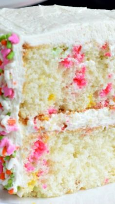 Vanilla Funfetti Cake Recipe ~ Delicious, from scratch, Vanilla Funfetti Cake! One bite of this moist cake and youll be convinced its the best! Cupcakes, Cupcake Cakes, Just Desserts, Delicious Desserts, Cake Recipes, Dessert Recipes, Shugary Sweets, Funfetti Cake, Savoury Cake