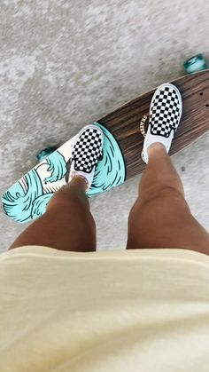 simply your basic average vsco girls. girls-of-vsco. simply your standard typical vsco women. Longboard Design, Skateboard Design, Skateboard Tumblr, Skateboard Clothing, Longboard Deck, Skate Clothing, Penny Skateboard, Painted Skateboard, Vans Skateboard