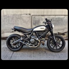Ducati Scrambler Icon Gloss Black