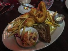 All you can eat fish fry at Millie's Supper Club in Chicago, Illinois. Fried Fish, Fish Fry, Fish Sides, Chicago Travel, Places To Eat, Fig, Spicy, Supper Club, Beef