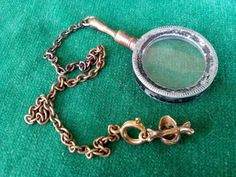 Old Vintage Brass MAGNIFIER LOCKET Reading MAGNIFYING GLASS Small Skull & Bones