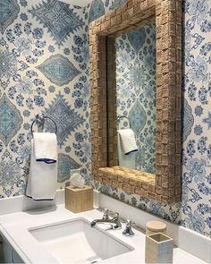 QUADRILLE (@quadrillefabrics) • Instagram photos and videos Decor, Dream Bathrooms, Tiny Bathrooms, Bathroom Inspiration, Decor Design, Family Living Rooms, Decor Inspiration, Interior, House Interior