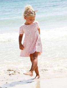 baby girl party dresses This pretty pink dress dripped with a plethora of little white heartsis the perfect addition to every little girls wardrobe. Fashion Kids, Little Kid Fashion, Fashion Fashion, Latest Fashion, Fashion Dresses, Fashion Trends, Summer Girls, Kids Girls, Summer Days