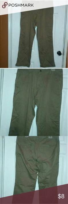 Men's Size 34 x 32 Gap Khakis Vintage Standard Fit Men's Size 34 x 32 Gap Khakis Vintage Standard Fit Pants Great Condition GAP Pants Chinos & Khakis
