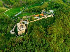 Garden Bridge, Travelling, Golf Courses, Outdoor Structures, Places, Instagram, Lugares