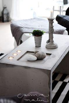 La maison d'Anna G.: Une table en béton