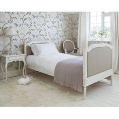 beautiful linen bed!!