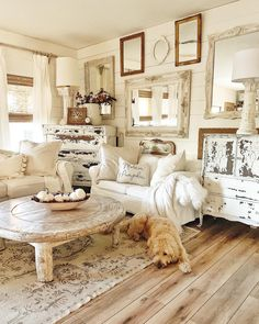 If you have been around for a while, you will know that I love rugs! Living Room Carpet, Rugs In Living Room, Home And Living, Living Room Decor, Sala Vintage, Vintage Rugs, Vintage Porch, Vintage Farmhouse Decor, Farmhouse Furniture