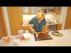 Úplne normálny, ako si pamätáme z cukrární. Food Videos, Cooking, Youtube, Recipes, Czech Recipes, Bakken, Kitchen, Ripped Recipes