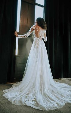 LACE LONG SLEEVE WEDDING DRESS WITH STATEMENT BACK Lace Wedding Dress, Long Sleeve Wedding, Wedding Dress Styles, Designer Wedding Dresses, Stella York Bridal, Rembo Styling, Pronovias, Bridal Boutique, Fascinator