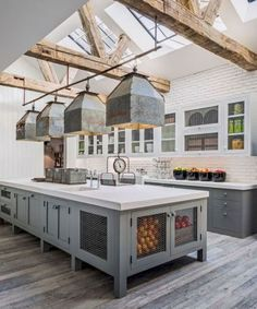 Rustic Farmhouse Kitchen Cabinets Makeover Ideas - Page 40 of 48 - Inspiring Bathroom Design Ideas Farmhouse Kitchen Cabinets, Farmhouse Style Kitchen, Modern Farmhouse Kitchens, Home Decor Kitchen, Home Kitchens, Rustic Farmhouse, Kitchen Ideas, Kitchen Rustic, Rustic Homes