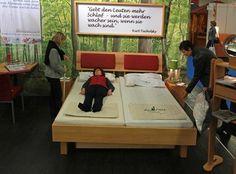 Rückenschullieterin Ute Danzer, die Massivholzmöbel der Möbelmacher und die Besttsysteme von Pro Natura: alles für den gesunden Rücken: http://nhblog.de/nb_pm_TagdRuecken/