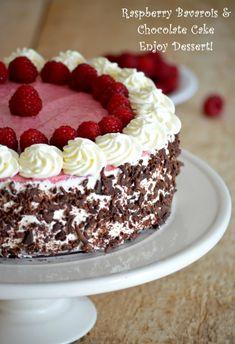Tort de ciocolata cu bavareza de zmeura Romanian Desserts, Russian Desserts, Romanian Food, Romanian Recipes, Rasberry Cake, Cooking Cake, Pie Cake, Dessert Bread, Tea Cakes
