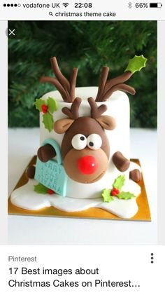 42 simple and easy Christmas cake ideas for this holiday - - Suppen - Kuchen Christmas Cake Designs, Christmas Cake Decorations, Christmas Cupcakes, Christmas Sweets, Holiday Cakes, Christmas Cooking, Xmas Cakes, Reindeer Christmas, Christmas Recipes